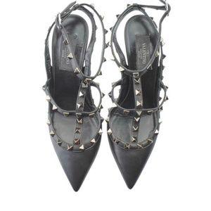 Valentino  Black Rockstud Leather Pumps size 39